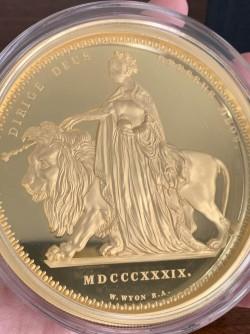 シリアル1番 即発送 2019年 オルダニー ウナライオン 1キロプルーフ金貨