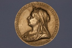 1897年英国ヴィクトリア女王即位60周年記念大型金メダル